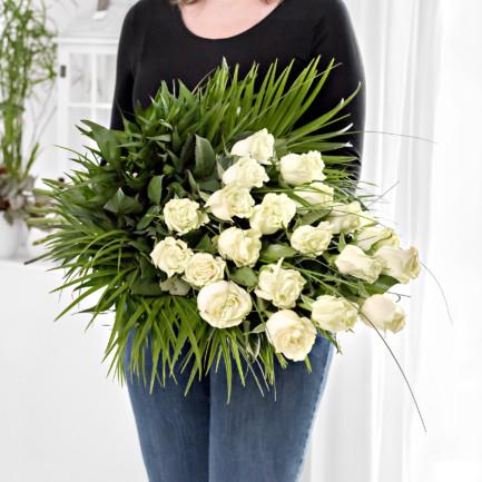 Vázaná smuteční kytice z růží - Brno